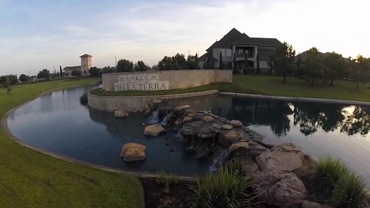 Luxury amenities of Bella Terra in Richmond TX near Houston