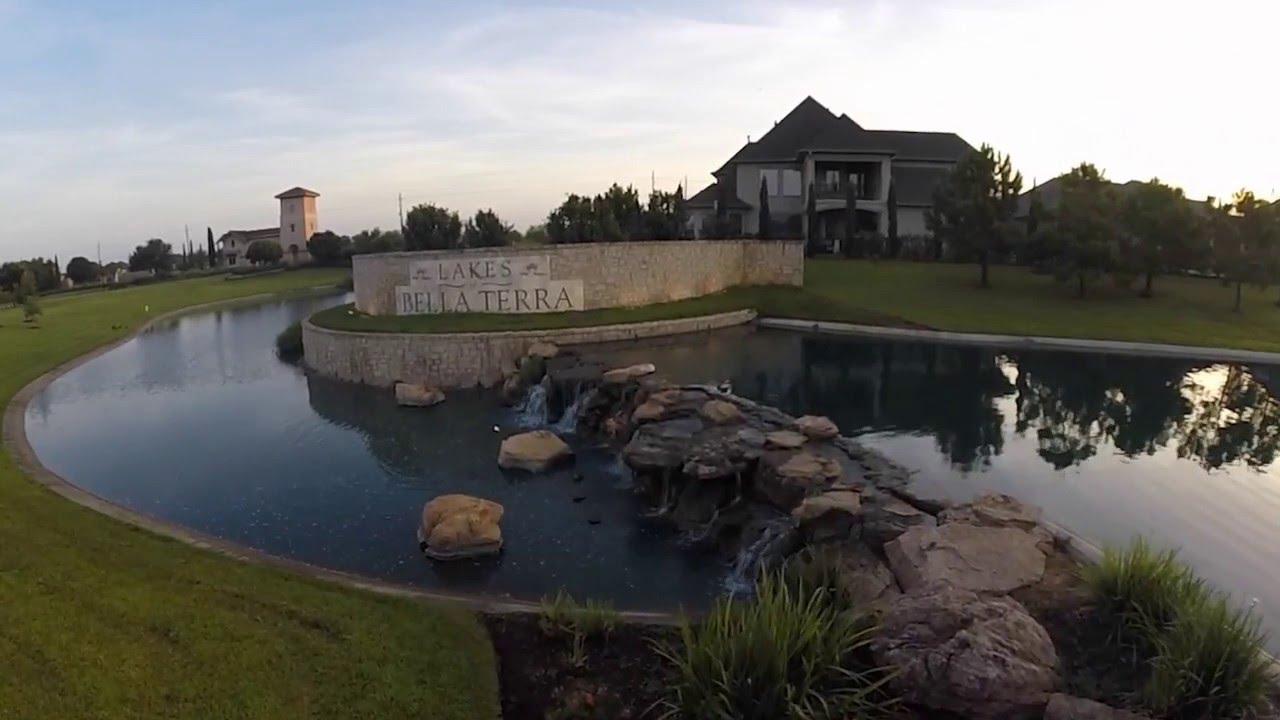 Luxury amenities of Bella Terra in Richmond TX near Houston