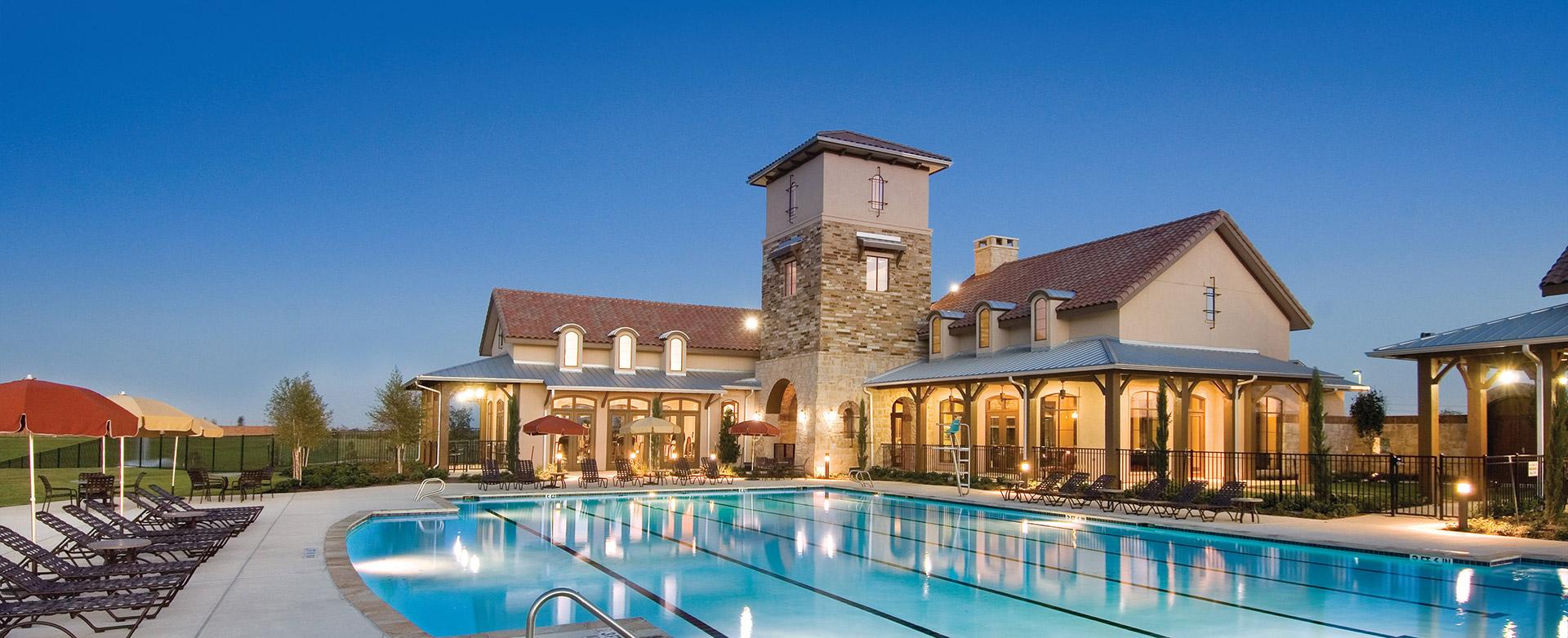 Resort style amenities and swimming pools of Bella Terra